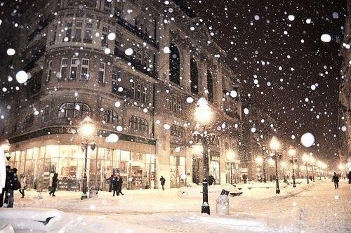 שלג יורד