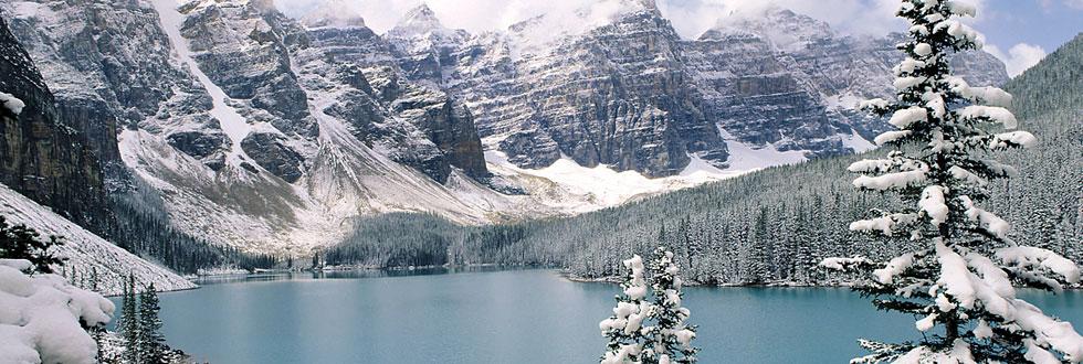 הרים מושלגים בקנדה